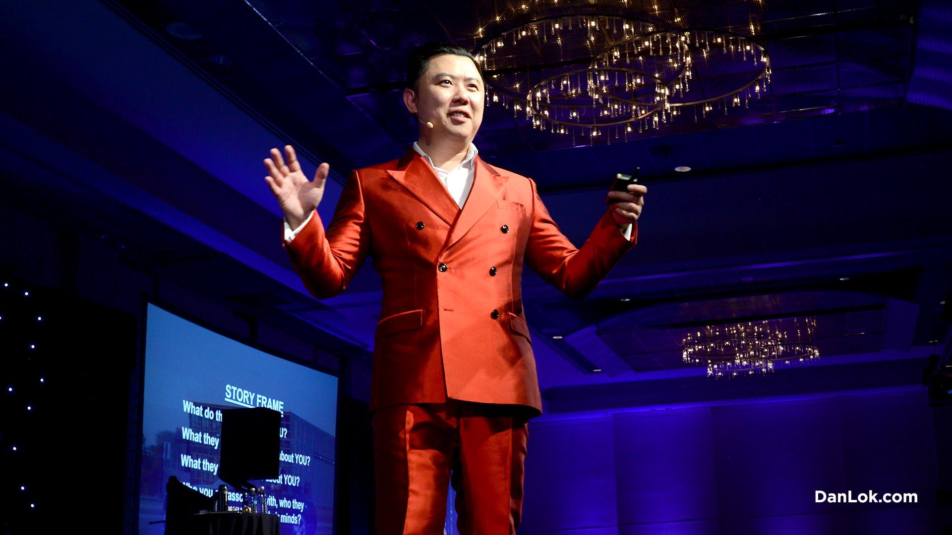Dan Lok gibt einen TEDTalk