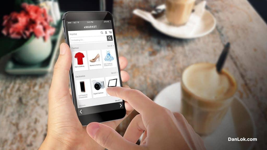 Online-Shopping auf einem iPhone